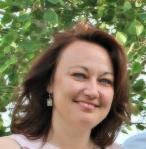 Francy Moll, Alumna